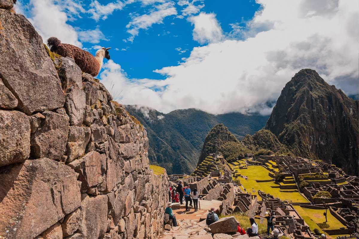 Bus from Cusco to Machu Picchu
